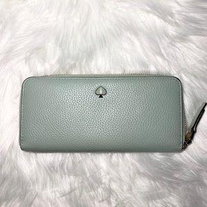 🌸Kate Spade continental zip around wallet